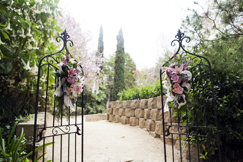 Wedding Gate - Jeannie Mutrais